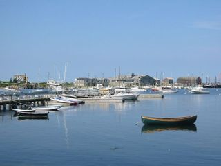 Sakonnet Harbor -- Yacht Club offers sailing lessons for children