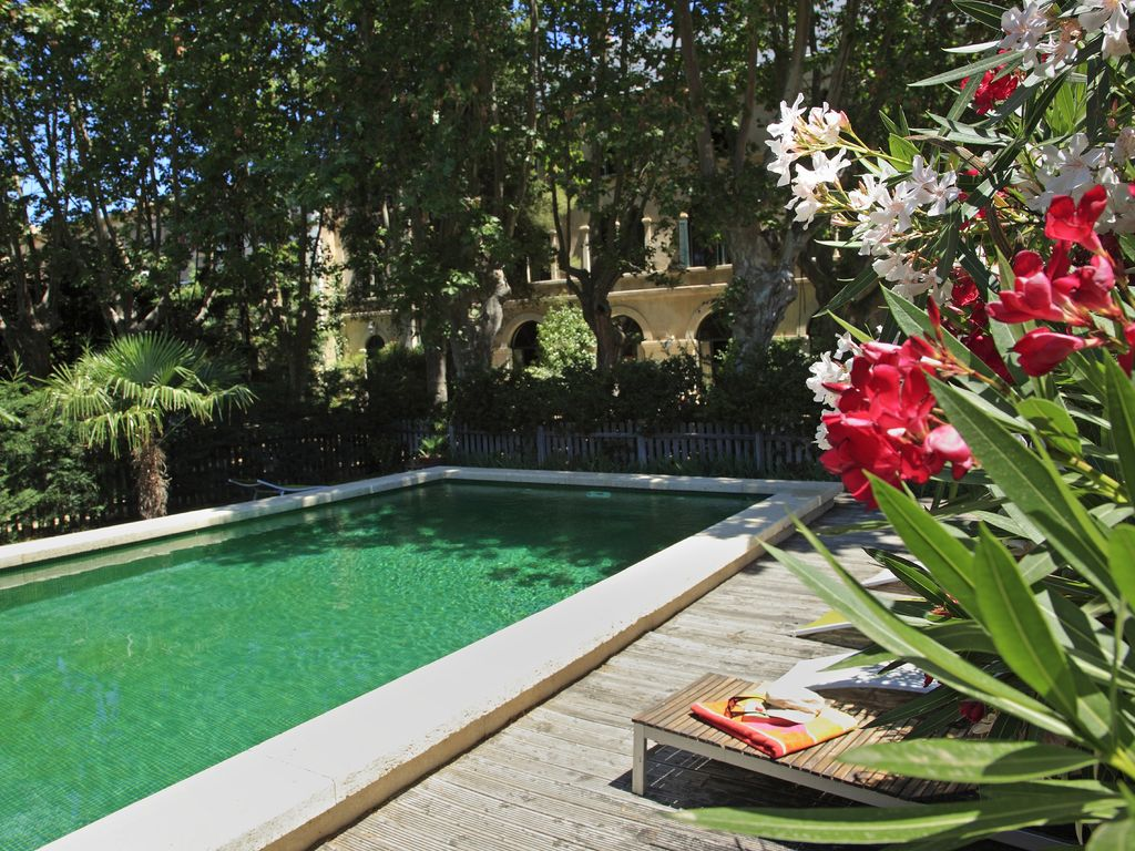 1 bedroom apartment in beziers area herault 8157916 for Secret garden pool novaliches