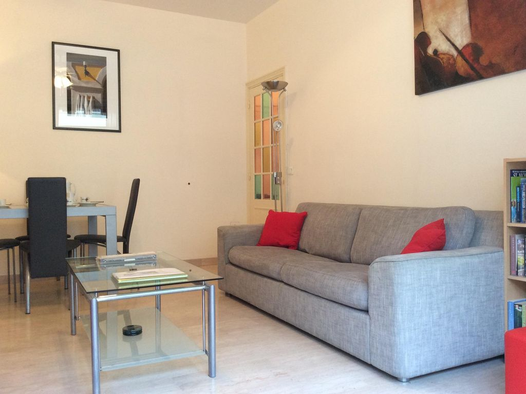 One bedroomed City Centre on Ave Auber. Air-Con, Wifi. Sun Terrace, Sleeps 2- 5 - Nice - appartement