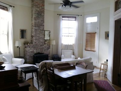New Orleans cottage rental - Living room, w separate entrance & Pottery Barn white upholstered sleeper so