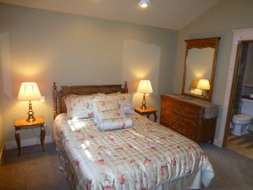 Second Upstairs Bedroom with Queen Size Bed