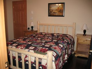Swanton cabin photo - Queen Bedroom