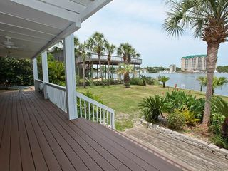 Vacation Homes in Holiday Isle Destin house photo - 17