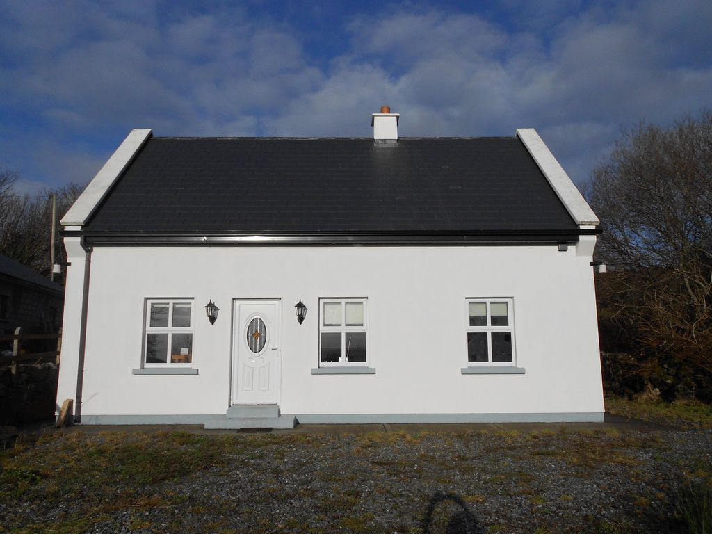 Traditional irish cottage in the heart of vrbo for Traditional irish cottage designs