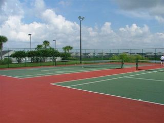 Hampton Lakes villa photo - Tennis Courts