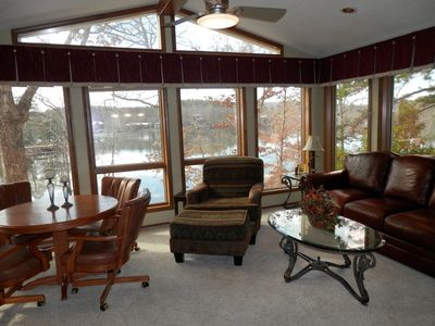 Arkansas Room sits High in the Trees. Great for viewing Birds, Lake and TV too