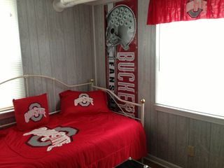 Oak Harbor cottage photo - Bonus 'OSU' room. Games, Kids Toy Box, Kids Games and Books, and Twin Day Bed