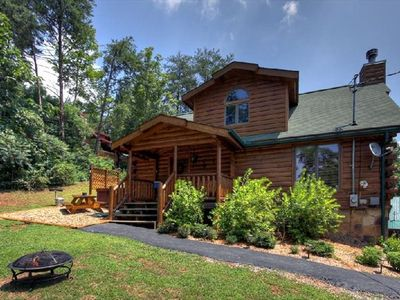 Mtn.Cabin Mins to Pigeon Forge/Gatlinburg Wifi /Cable/HDTV/Fireplace /Jacuzzi