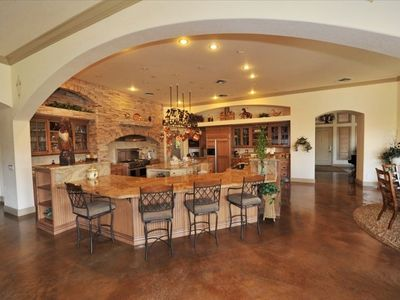 Chefs Kitchen w/commercial Gas Range,Wine Cooler,Wet Bar,Cappuccino Coffee