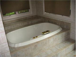 Big Canoe house photo - Have a soak in the master tub...