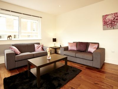 Pimlico apartment rental - Relaxing Living Area