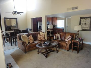 Scottsdale condo rental - Large open livingroom, dining area and kitchen area