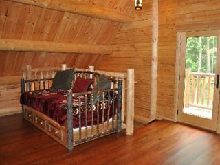 Woodstock lodge photo - Loft Daybed (2 Twin Matresses)
