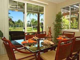Waikoloa Beach Resort townhome photo - Dining area with seating for six - additional seating for four at counter top