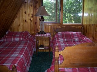 Lake Rescue chalet photo - Twin Bedroom - 2nd Floor