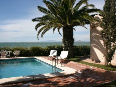 Lovely beachfront villa, 5  bedrooms and private pool on the Mar Menor