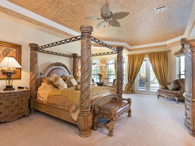 Grand master Suite with own lounge and dining area. Turreted ceilings
