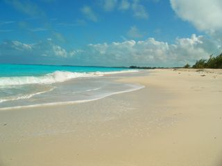 Great Exuma house photo - Glamorous Jimmy Hill beach 5 min walk from the house