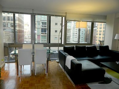 Chelsea apartment rental - Dining Table & Living Room