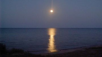 Romantic Moonlight on the Water!