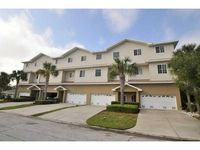 Huge Townhome, Walk to Beach, Shoppes and Restaurants