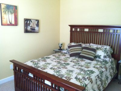 Guest or 2nd Bedroom, Queen Size Bed