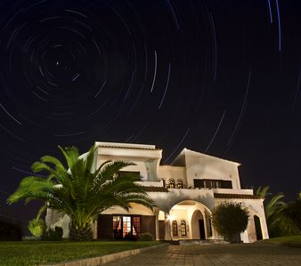 A Family friendly Villa With Free Air con & WiFi, Large Private Heated Pool