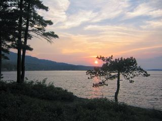 Sunset toward LakeShore Park - Alton house vacation rental photo