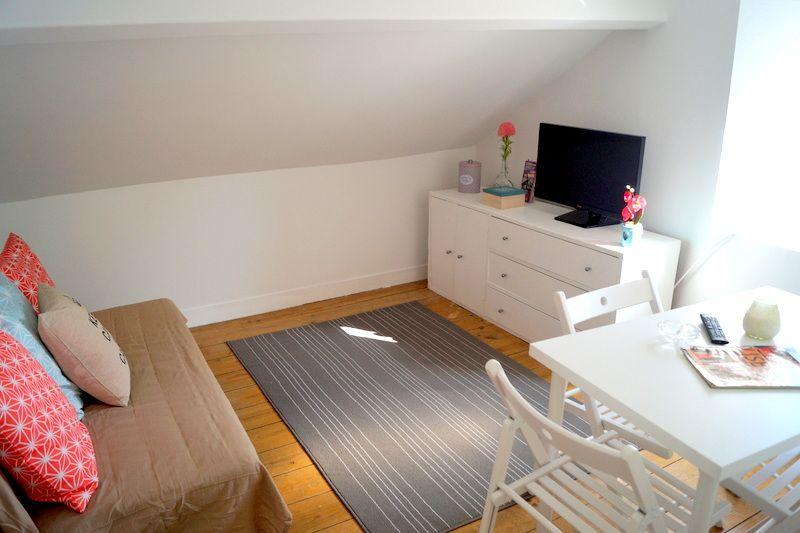 Accommodation near the beach, 60 square meters, , Lisbon, Lisbon