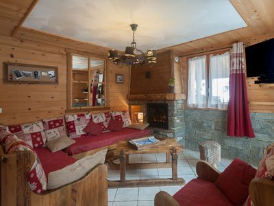 Charming apartment in a mountain chalet near the slopes, Jacuzzi