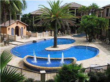 St. Tropez Destin house rental - Georgeous Pool with hottub and fountain. House overlooks pool!