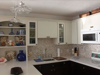 East End condo photo - New remodelled kitchen
