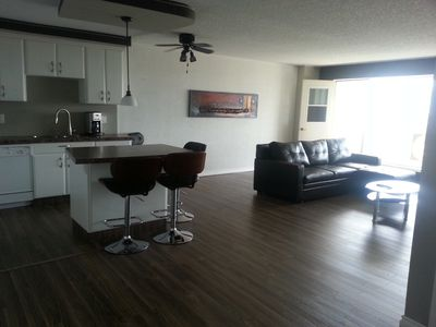 Newly Refurbished Condo In the Heart of Downtown Calgary