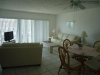 Beautiful Clean Condo located in the heart of Cocoa  Beach next to the Pier !!