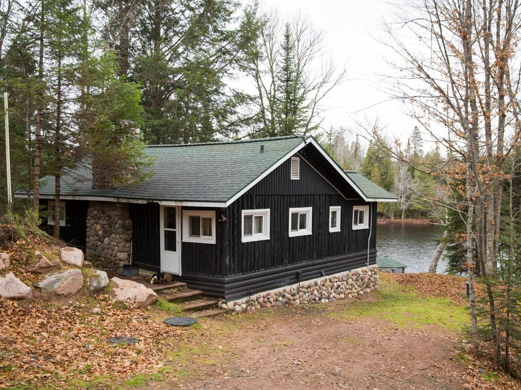 Nostalgic Historical Log Cabin Great Fishing Very Private