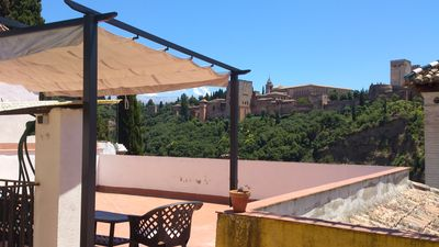 Charming house in the Albaicin. Terrace facing the Alhambra.