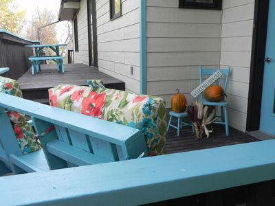 The SaltWater Lodge with All The Comforts Of Home, walking distance to beach.