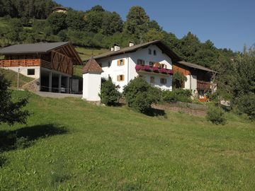 Laion farmhouse rental