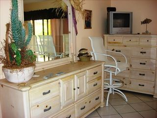 Key Largo house photo - Master Bedroom Dressers
