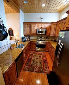 Santa Fe townhome rental - Large kitchen with all the amenities of a luxury home. Chef outfitted, pantry.
