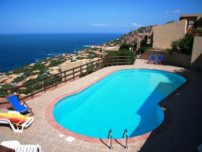 Apartment with pool and stunning views, 6 people