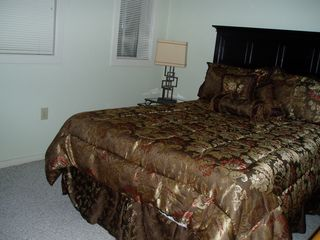Moneta condo photo - Queen bedroom