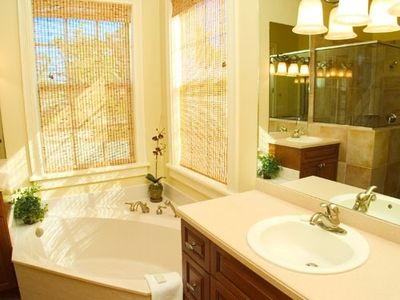 Master bathroom, complete with soaker tub, separate shower, and dual sinks!