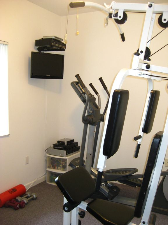 Gym (elliptical, universal gym)