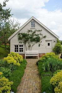 PackWay Farm, 3 Stylish Restorations, In The Heart Of The Suffolk Countryside