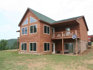 Luray cabin photo - Awesome Views! Sit out on the deck and hear nature!