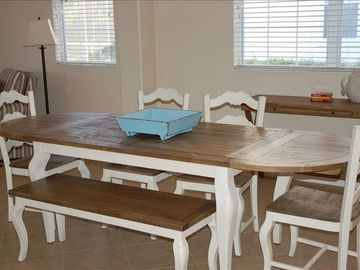 Seat the whole family! Expandable table, fun bright furnishings.