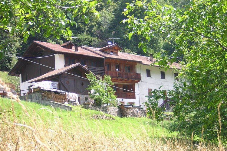 Holiday house, 80 square meters , Male, Italy