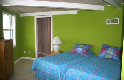 Elbow Cay and Hope Town house rental - 3rd Bedroom has King or Twin Beds