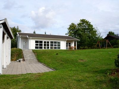 Dream of a holiday house, 2 bathrooms, 4 bedrooms., 150 m to the beach, pets ok.